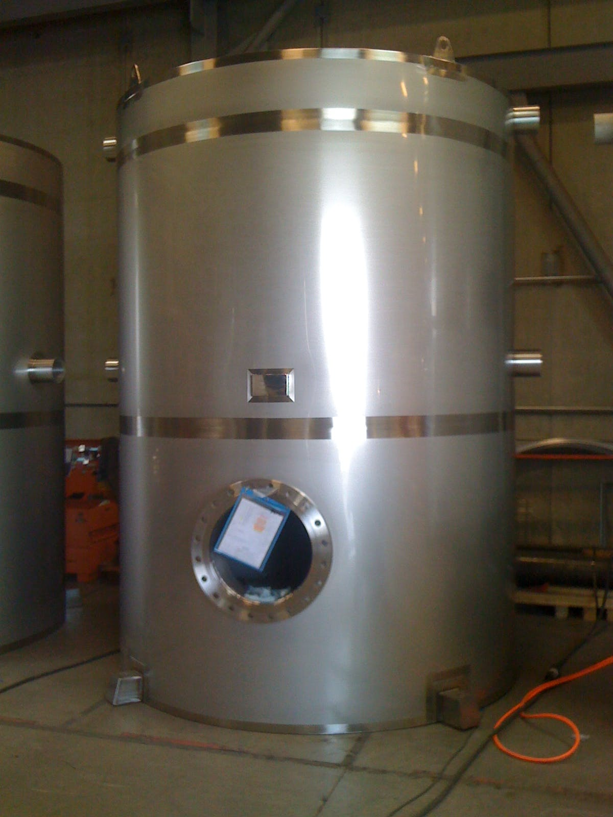 Typical single shell stainless steel drinking water holding tank.  Water tank sold by Hood-EIC, LLC Tank Division