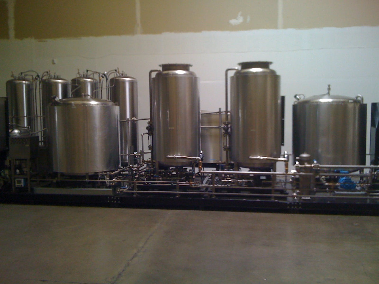 Skid Brewery system  Brewhouse sold by Hood-EIC, LLC Tank Division