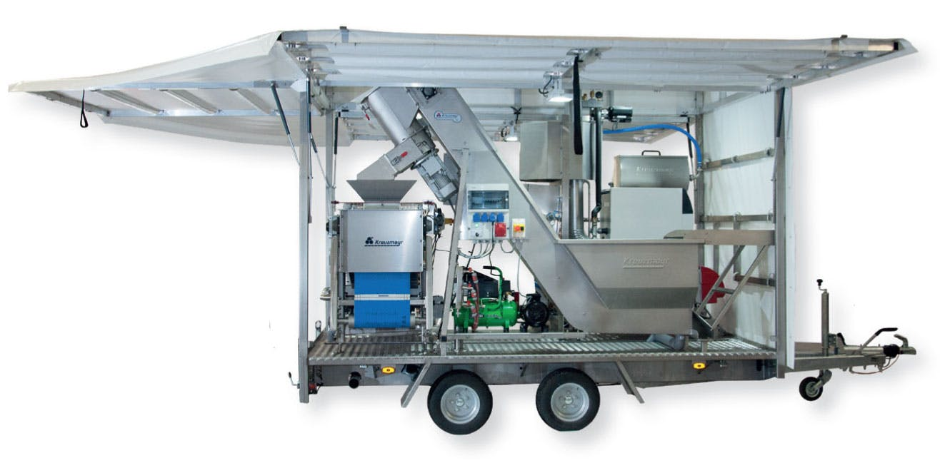 Mobile Juicing Trailer KML 400 Eco Press sold by Juicing Systems