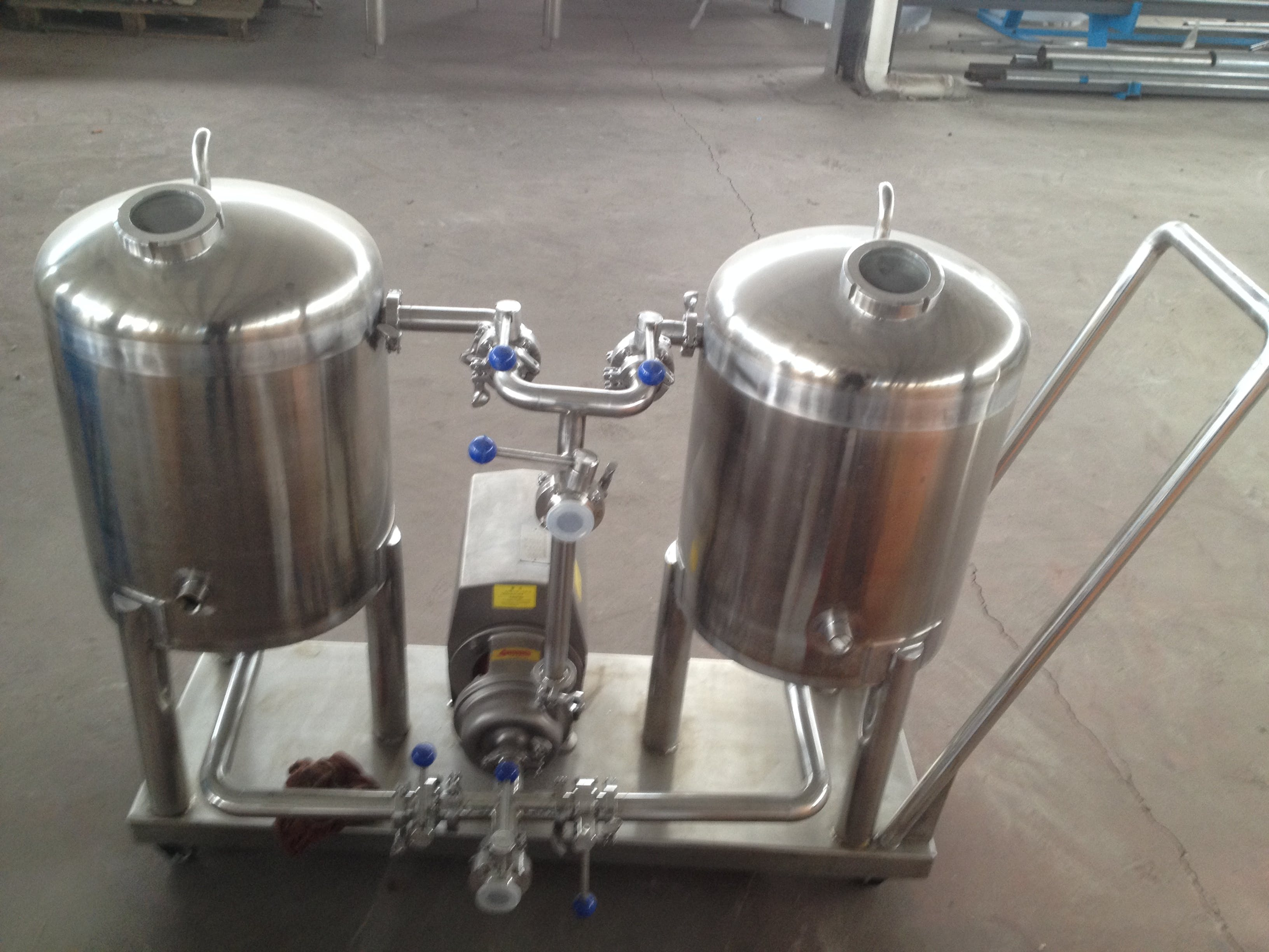 100L CIP cleaning system with dual tanks - sold by XIMO USA