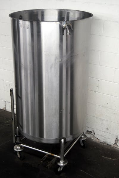 300-GALLON STAINLESS STEEL TANK