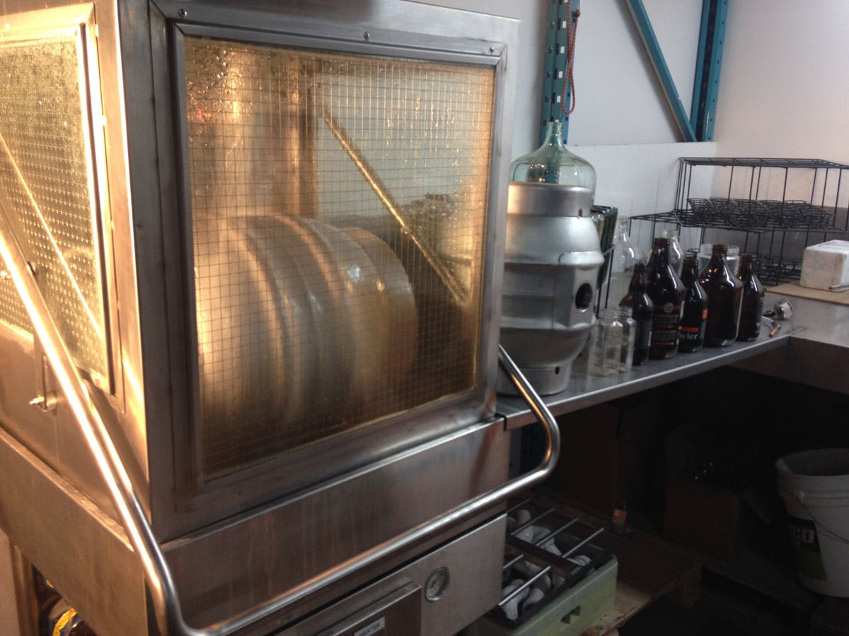 Beer Bottles, Growlers  &  KEG washer  Multi Function Washer - sold by Aquatech Leasing & Management Inc. Aquatech-BM.com