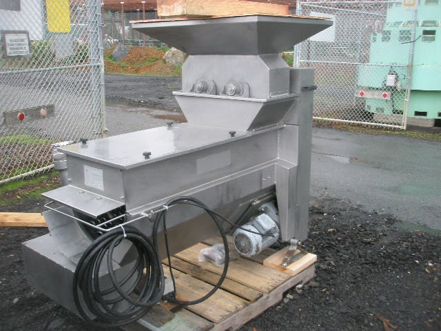Demoisy type EP 7 destemmer. Grape crusher/destemmer sold by Machinery & Equipment Co