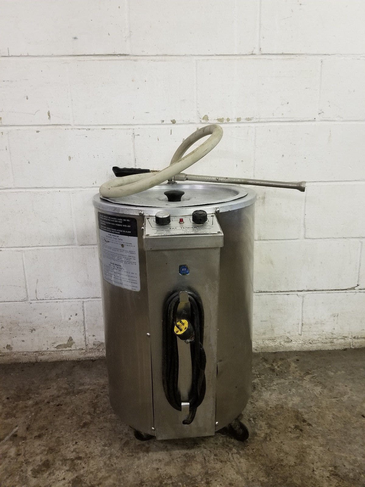 Broaster Fat Tender Machine 711 New Grease Hose Tested 120v - sold by Jak's Restaurant Supply
