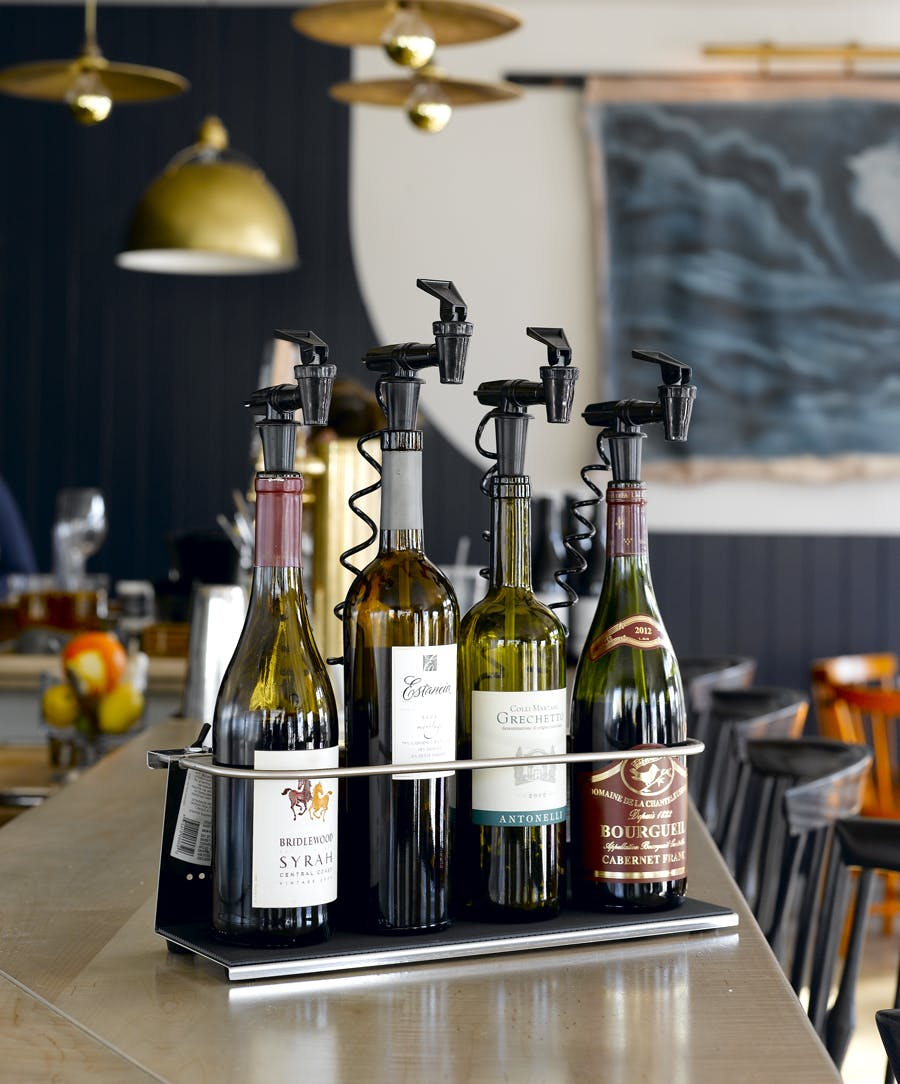 4 bottle Z base Wine dispensing tap sold by NitroTap Ltd.