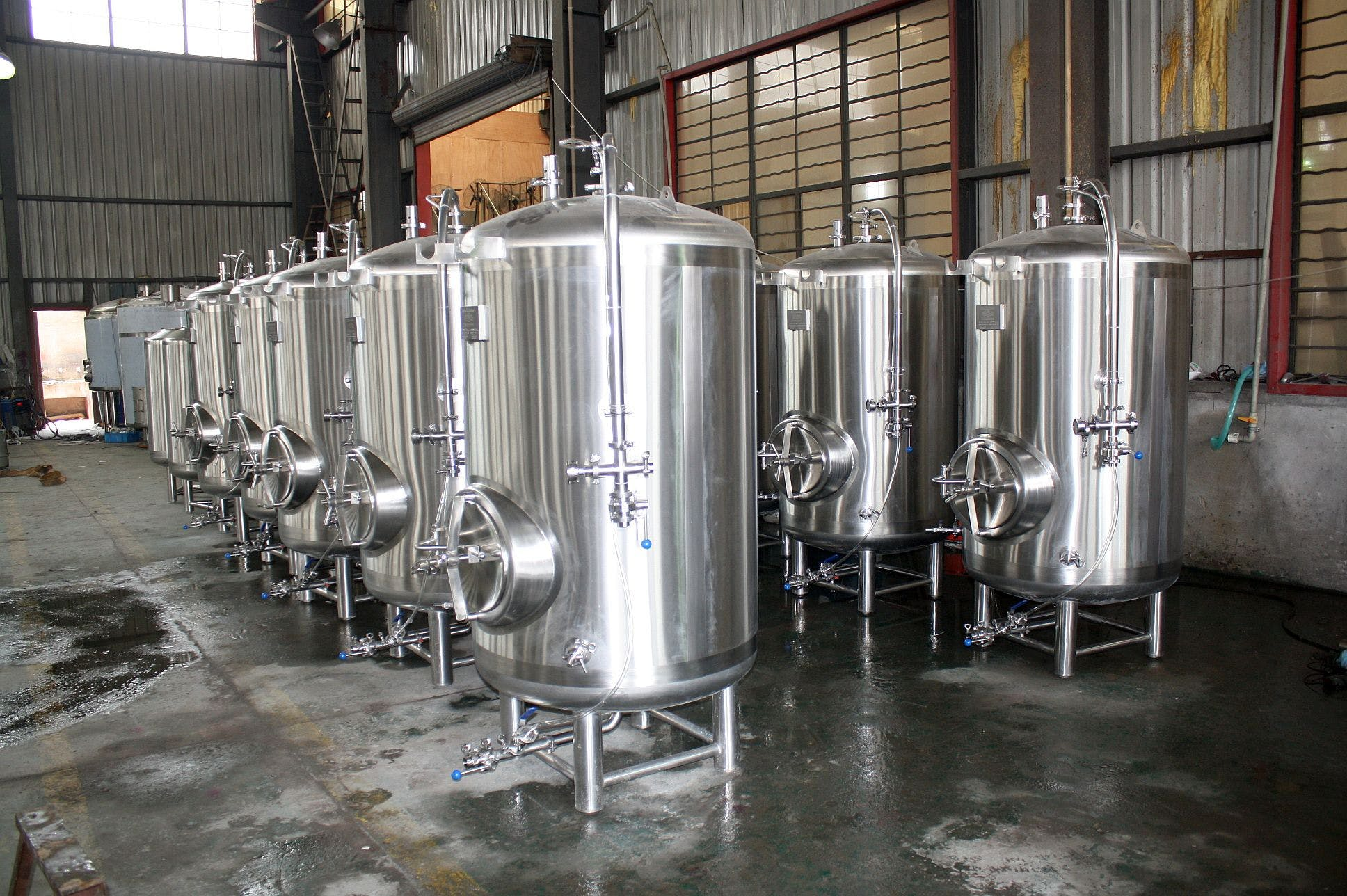 7 bbl single wall serving tanks Bright tank sold by Ager Tank & Equipment Co.
