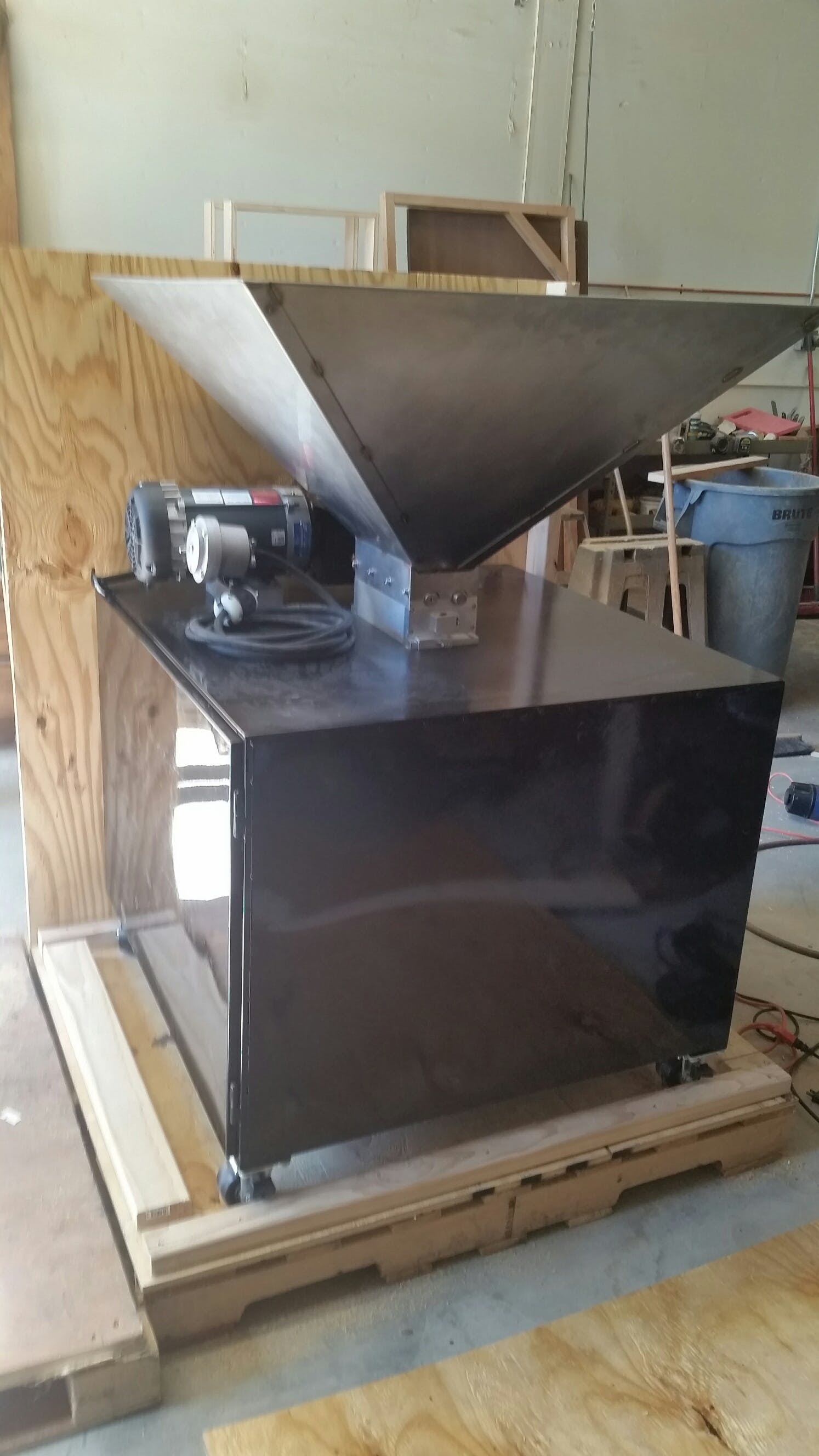Grain Mill Grain roller mill sold by Bru Gear