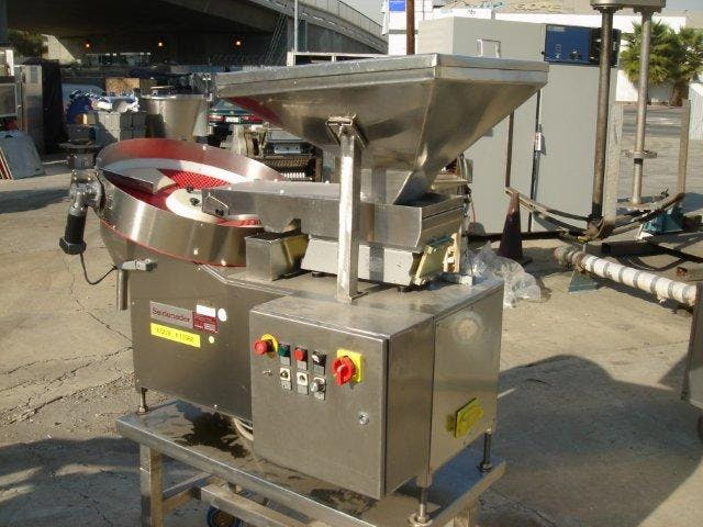 MODEL L650 SEIDENADER TABLET SORTER Tablet sorter sold by FEDERAL EQUIPMENT CO.
