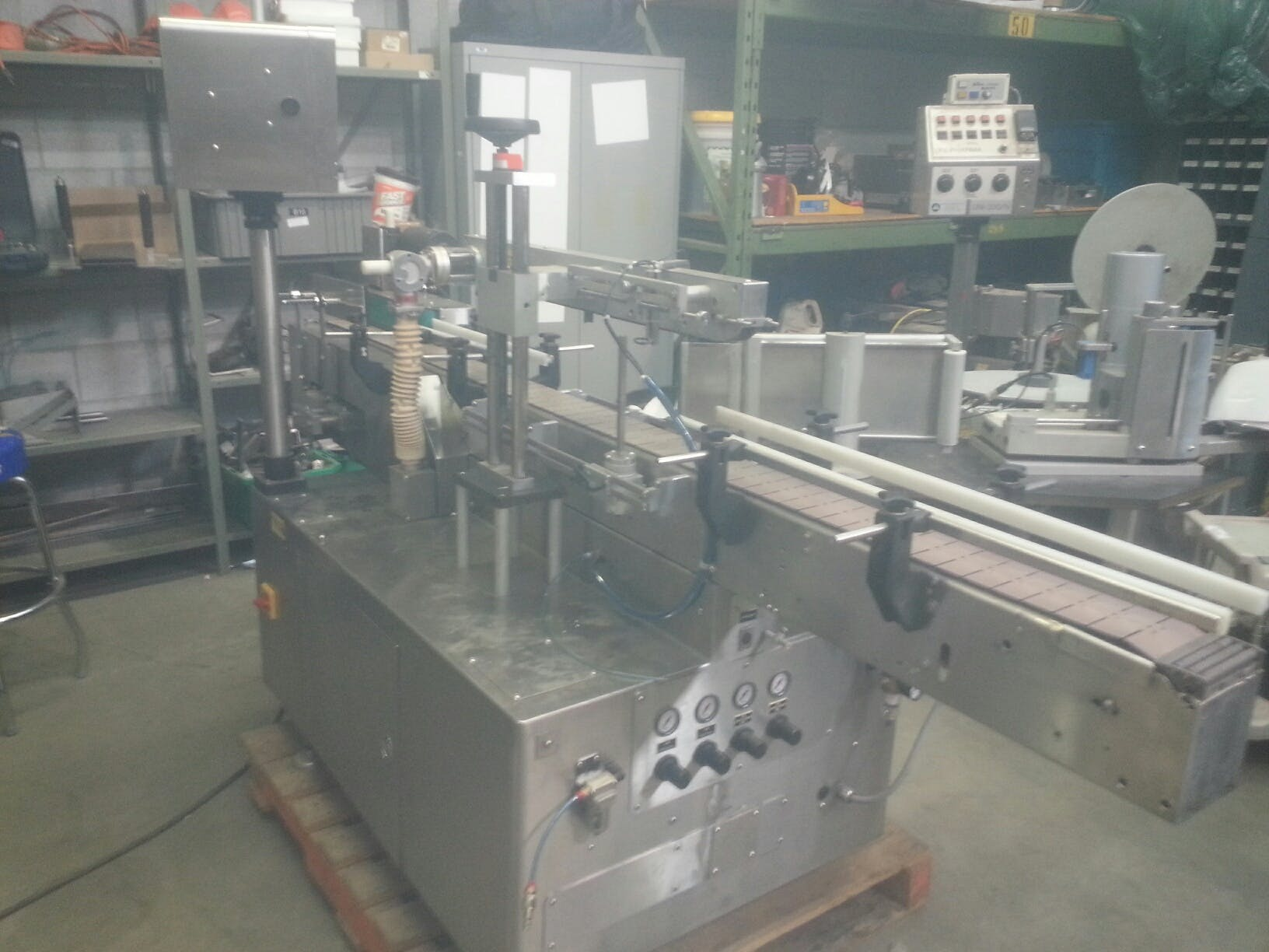 UNI-PHARMA UNI-600 Labeler Bottle labeler sold by Aevos Equipment