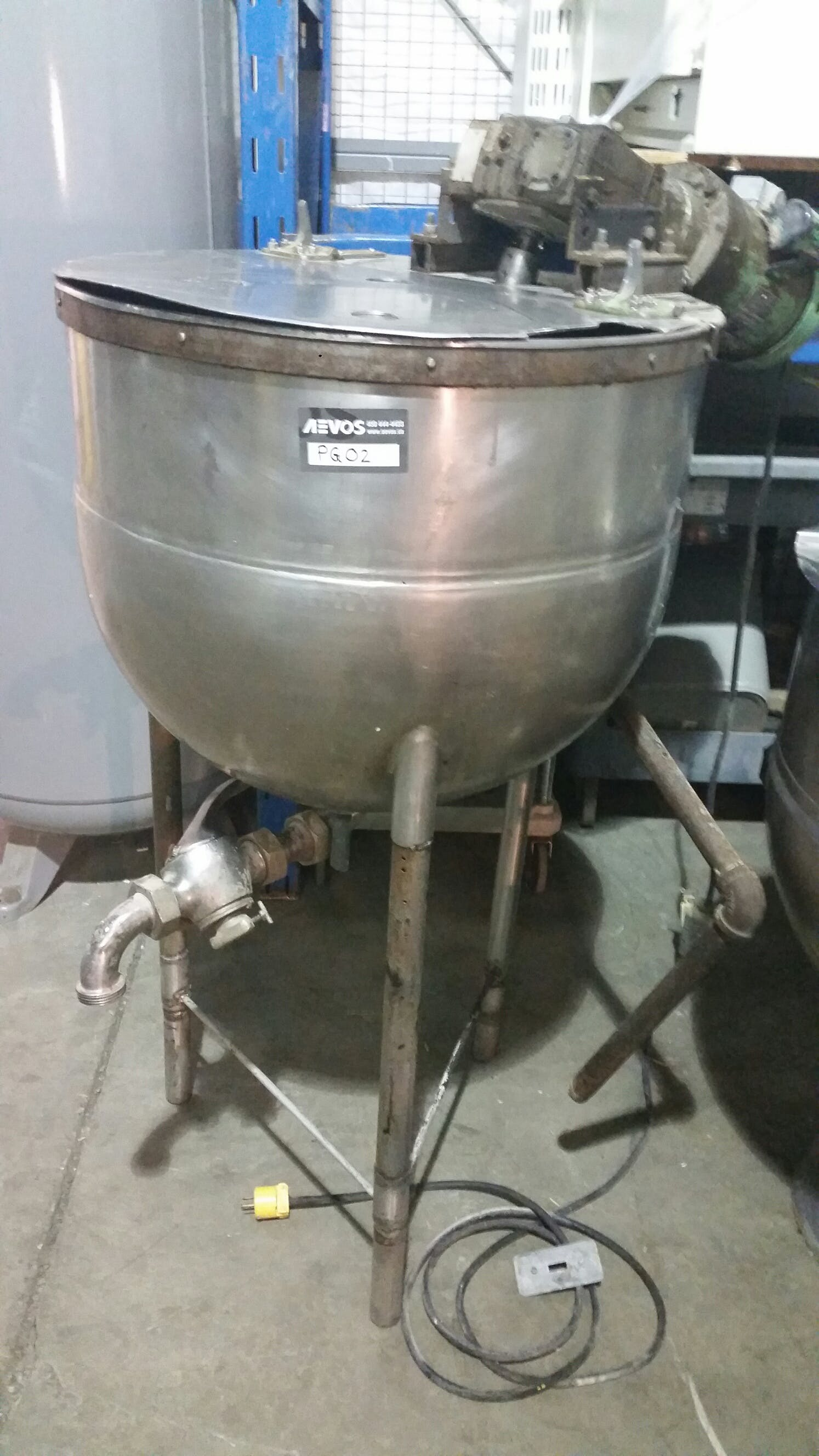 Jacketed Stainless Steel tank with Electric mixer Mixing tank sold by Aevos Equipment