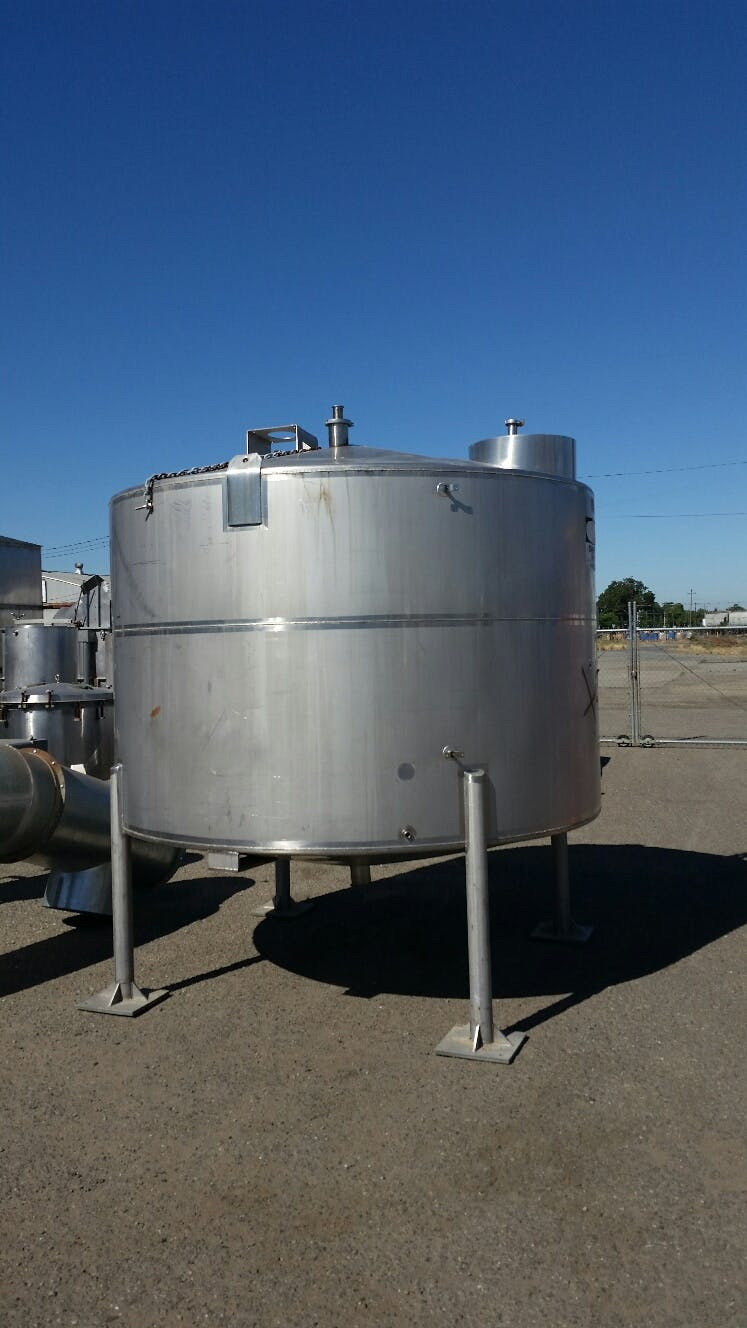 Used 2,500 gallon Stainless Steel Single Wall Tank Holding tank sold by Smith Food Machinery Inc.