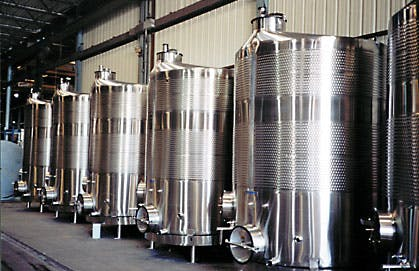More Bright/Wine Tank Examples Wine tank sold by Deutsche Beverage Technology