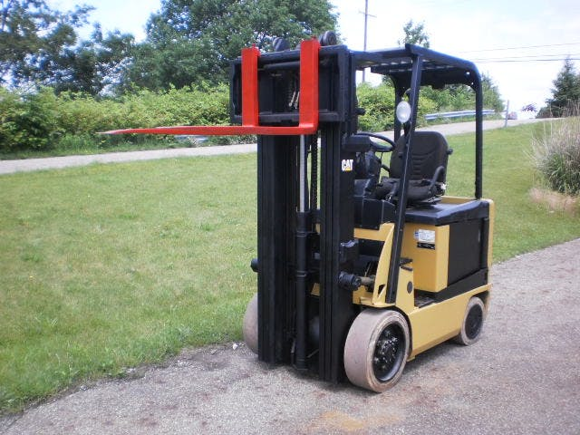 Caterpillar E5000 Fork Lift Forklift sold by Powerline Equipment Inc
