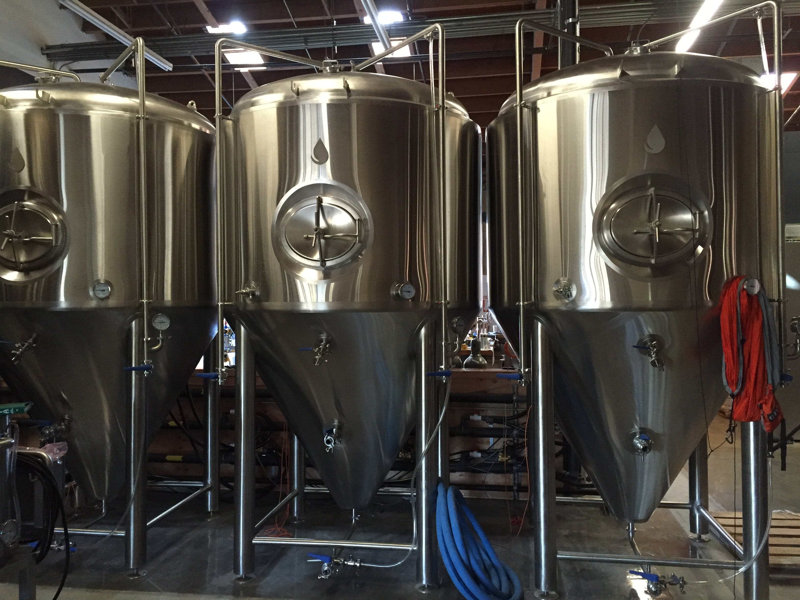 Custom Designed & Inventory Fermentation Uni-Tanks Fermenter sold by Deutsche Beverage Technology