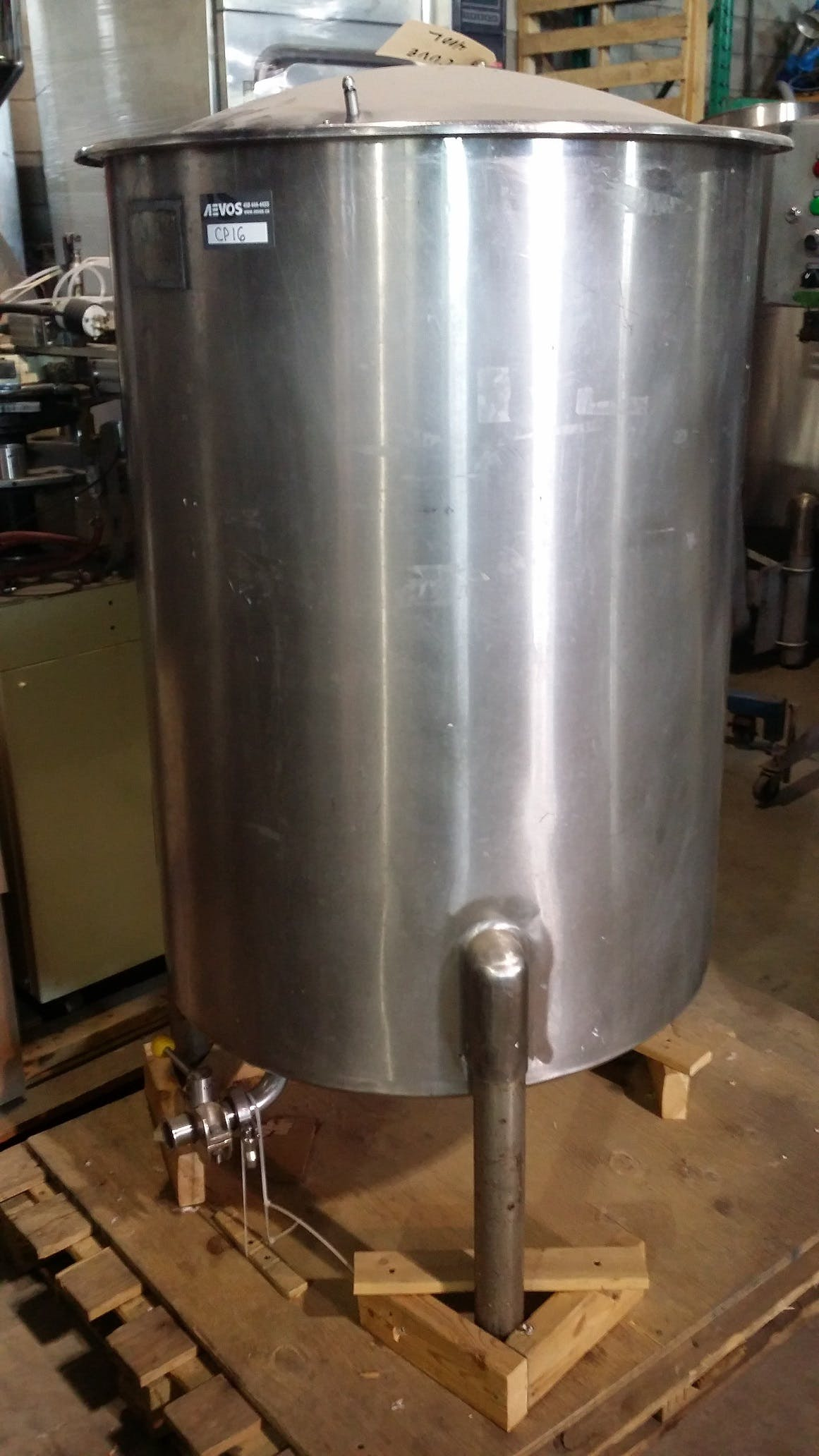 Stainless Steel single wall tank - 400 liters (105 gallons) Food tank sold by Aevos Equipment