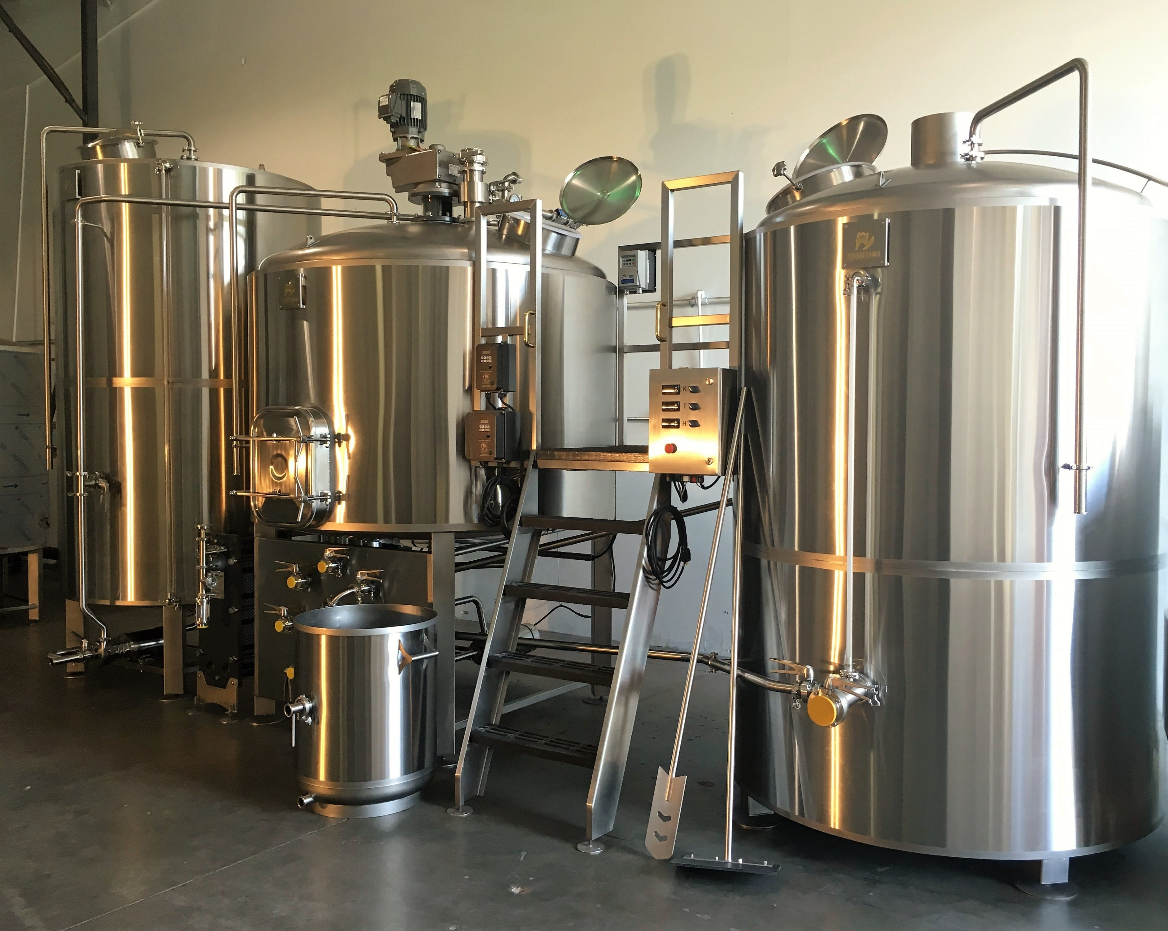 5 - 15 BBL Indirect fire, Enclosed forced air direct fire Brewhouses Brewhouse sold by Bridgetown Brew Systems llc.