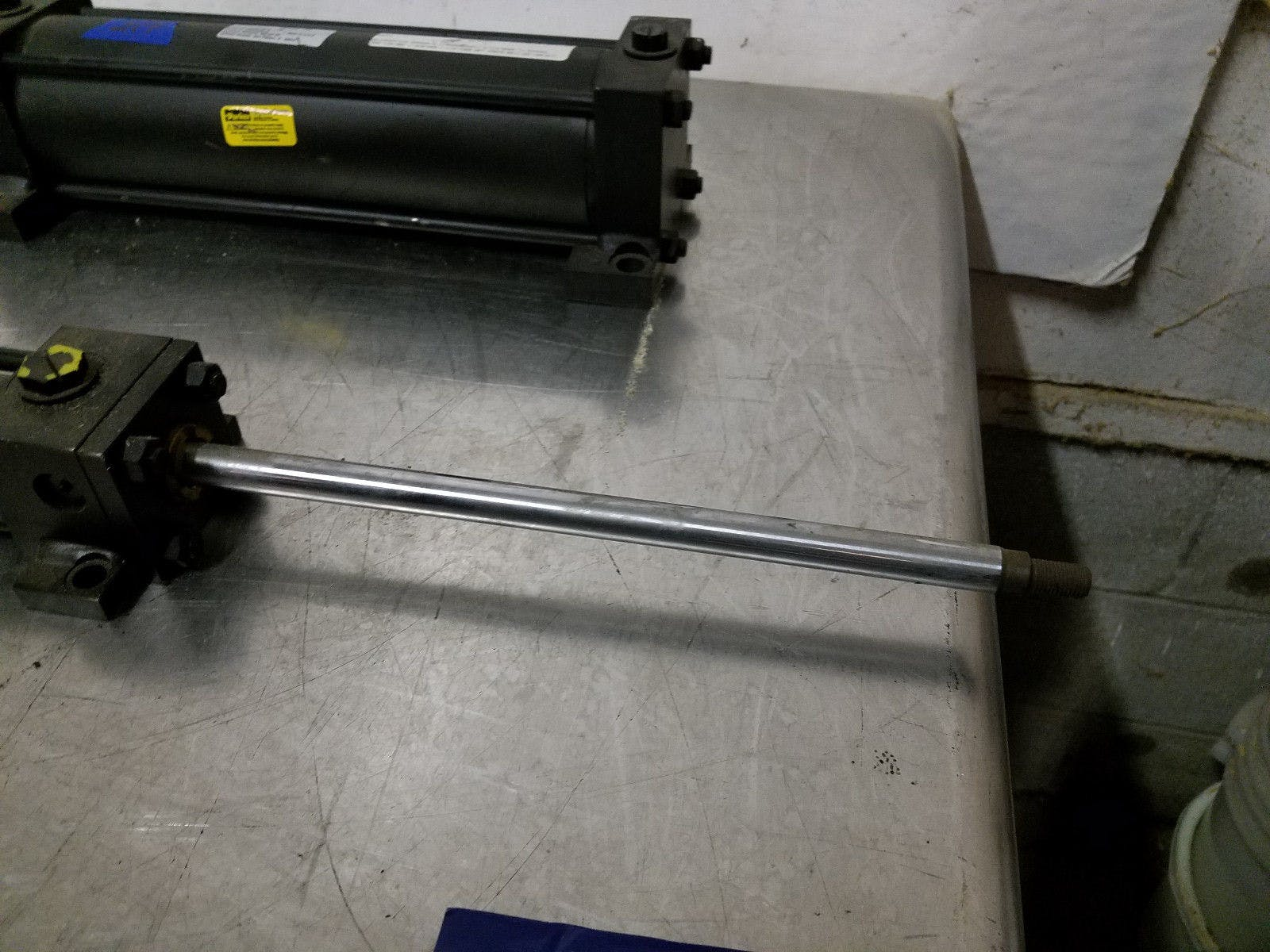 Parker Series 2H 01.50 CKC2HLT155A14AC 11.0 3000 Psi Hyd Hydraulic Cylinder New - sold by Jak's Restaurant Supply