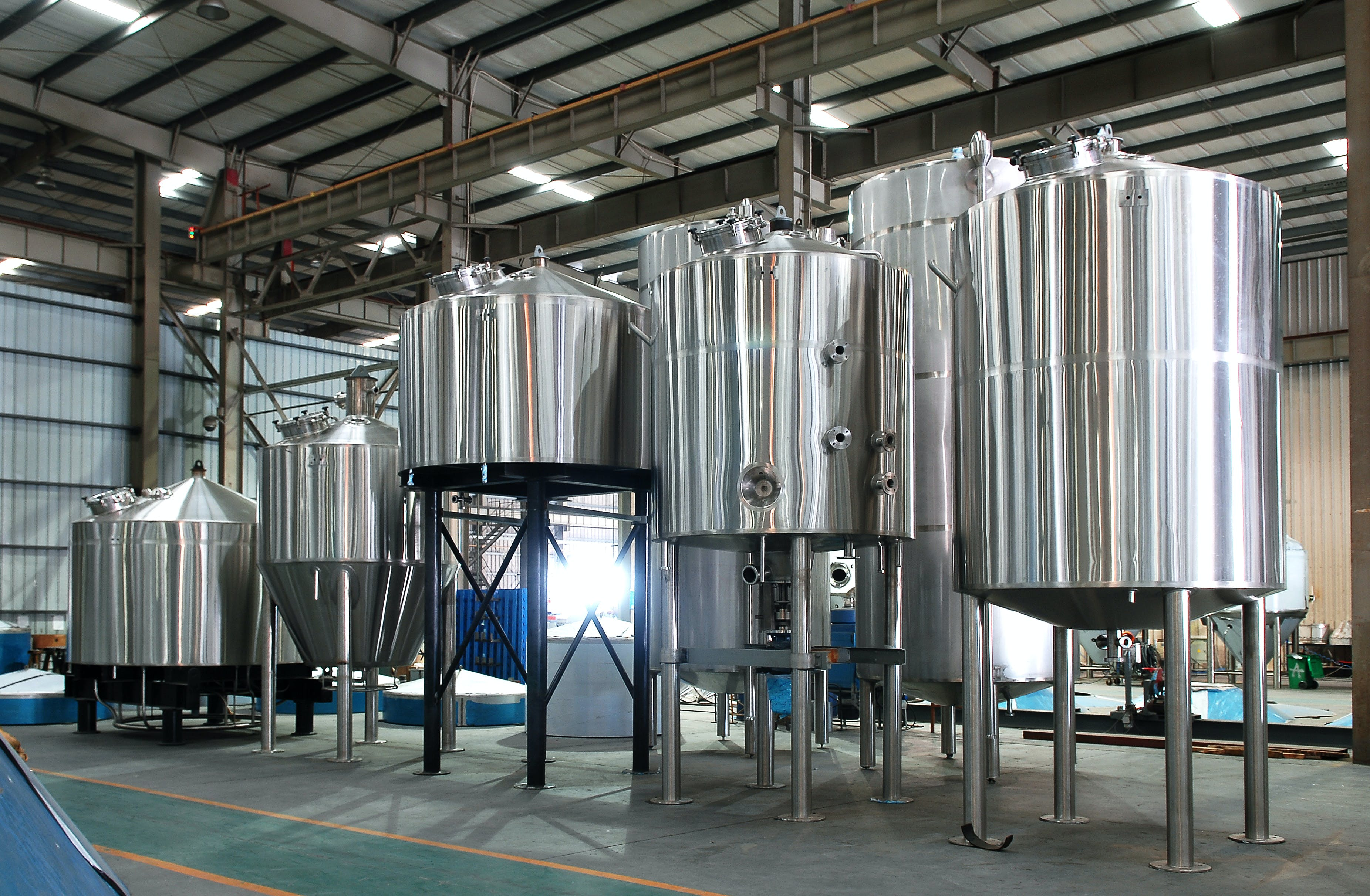 4 Vessel Brewhouse Systems Brewhouse sold by NDL Keg