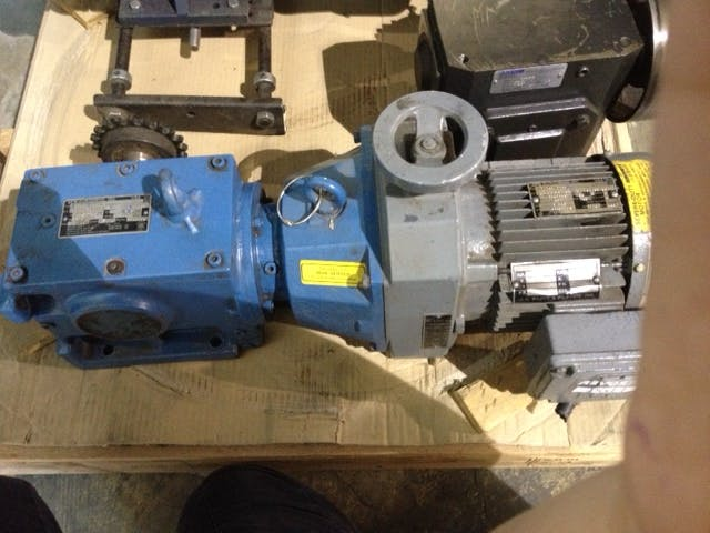 SEW-EURODRIVE Motor with Gearbox  Motor sold by Aevos Equipment