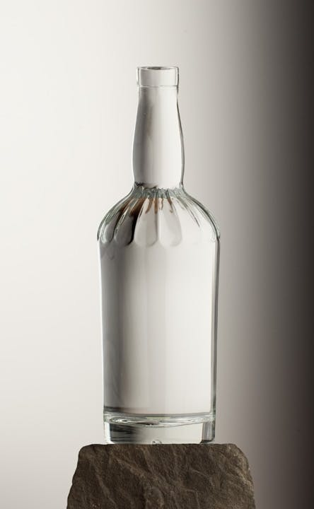 375 ML CLASSIC FLUTED 18.5 MM BAR TOP Liquor bottle sold by Brad-Pak