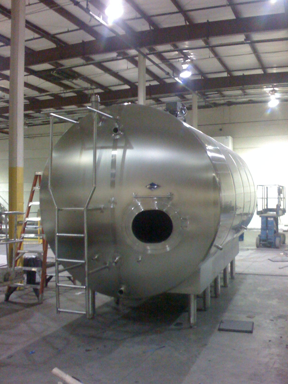 Horizontal Raw Milk Tank  Dairy tank sold by Hood-EIC, LLC Tank Division
