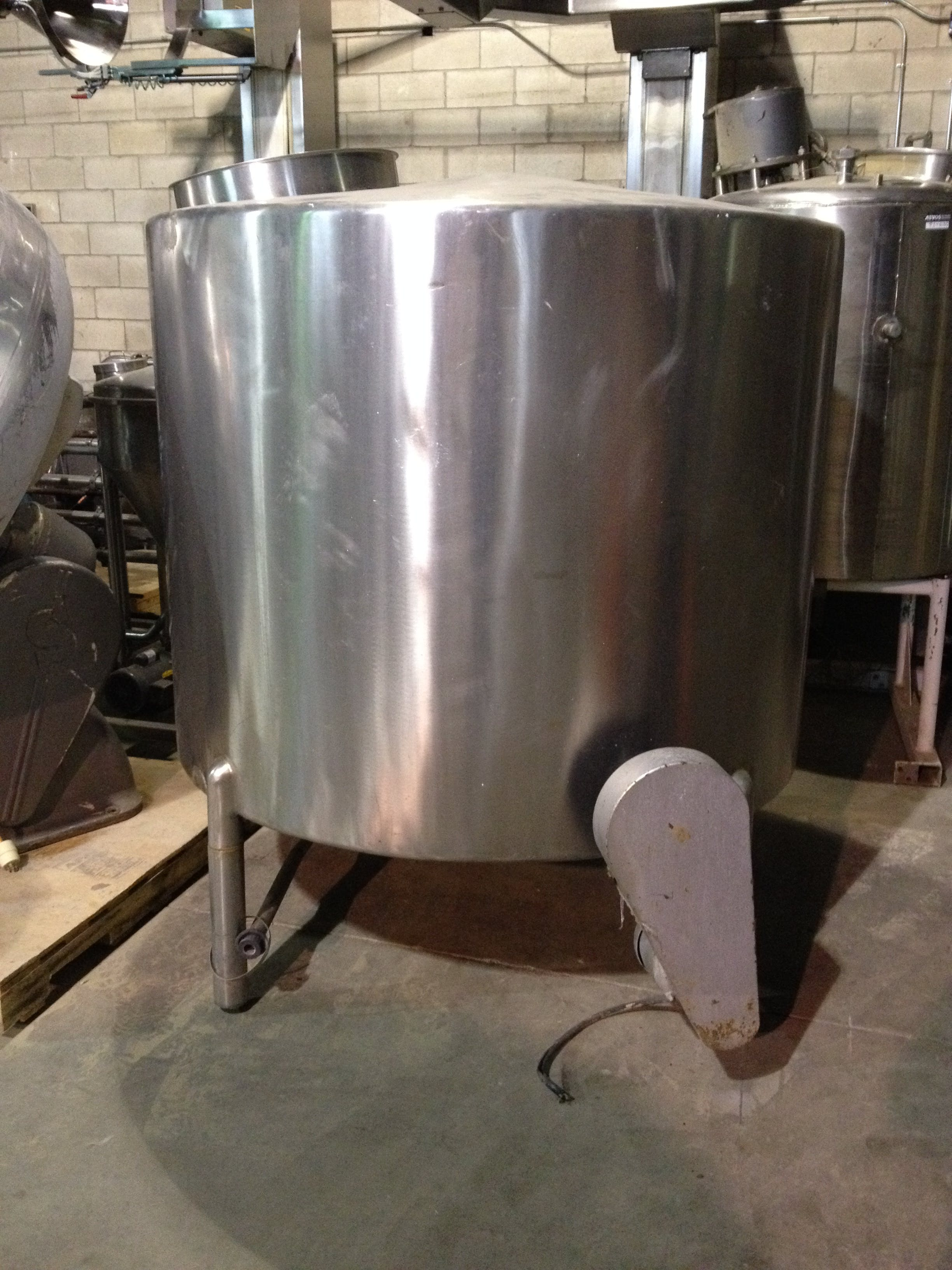 Mixing SS Tank - 608 gallons Chemical tank sold by Aevos Equipment