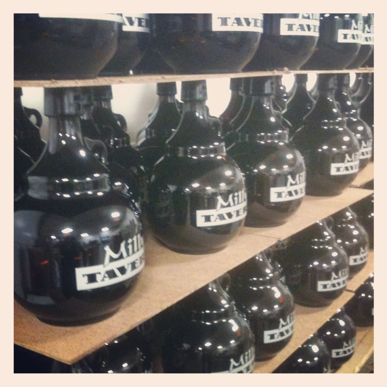 2L Palla Growler sold by Flour City Growlers