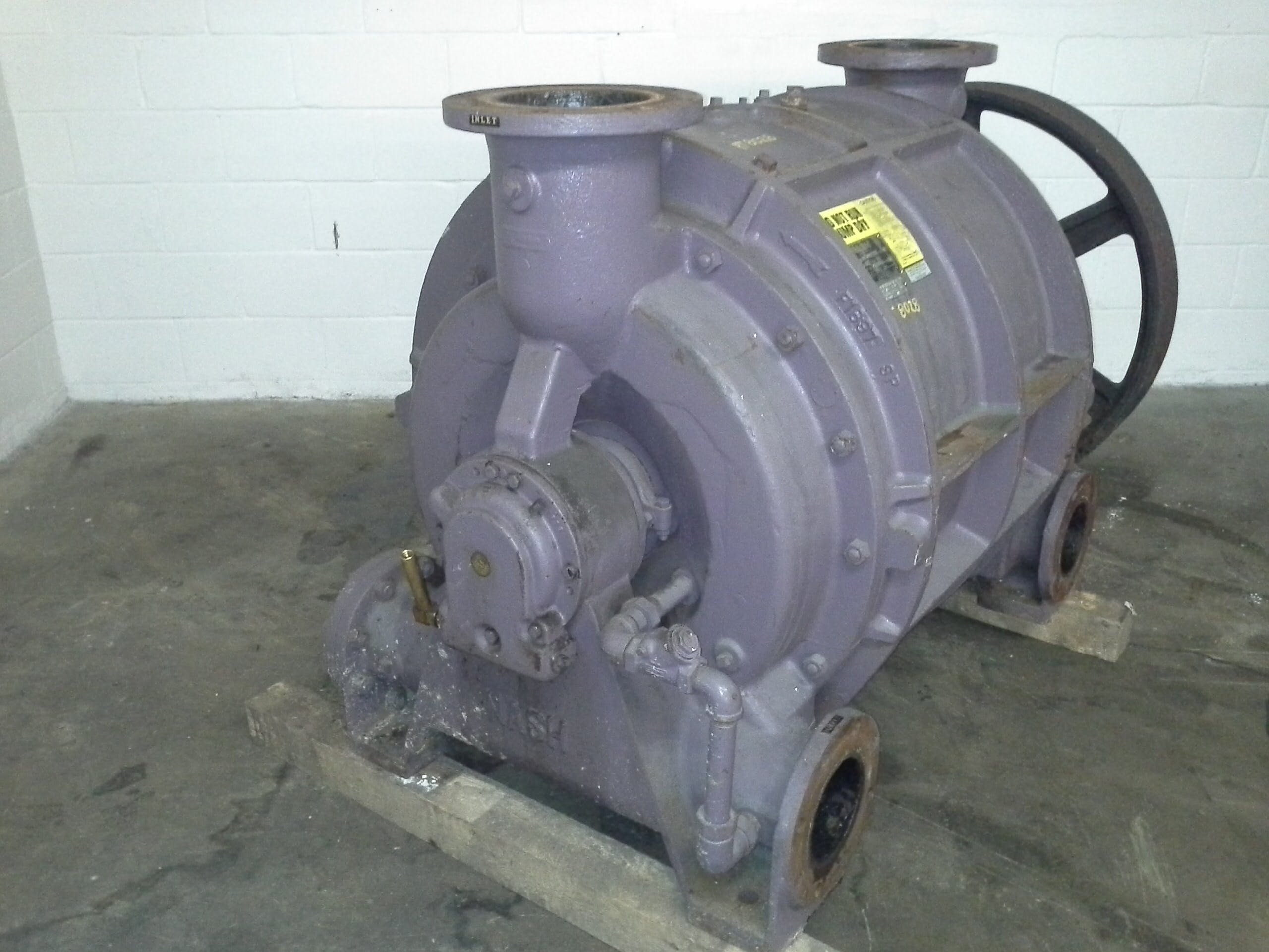 Nash Vacuum pump model CL3002 , Body and Heads are clad in Carbon Steel Vacuum pump sold by Peak Machinery Inc.