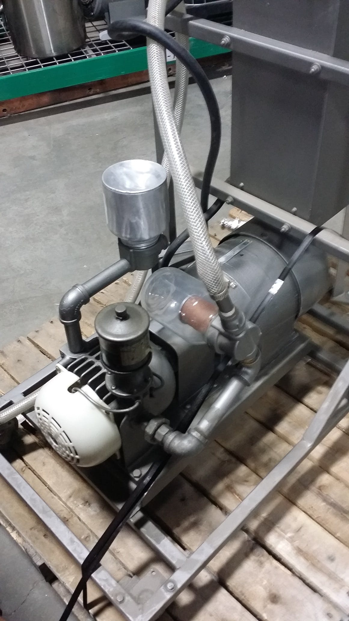 GAST MFG 2565-V2 Vacuum Pump Transfer pump sold by Aevos Equipment