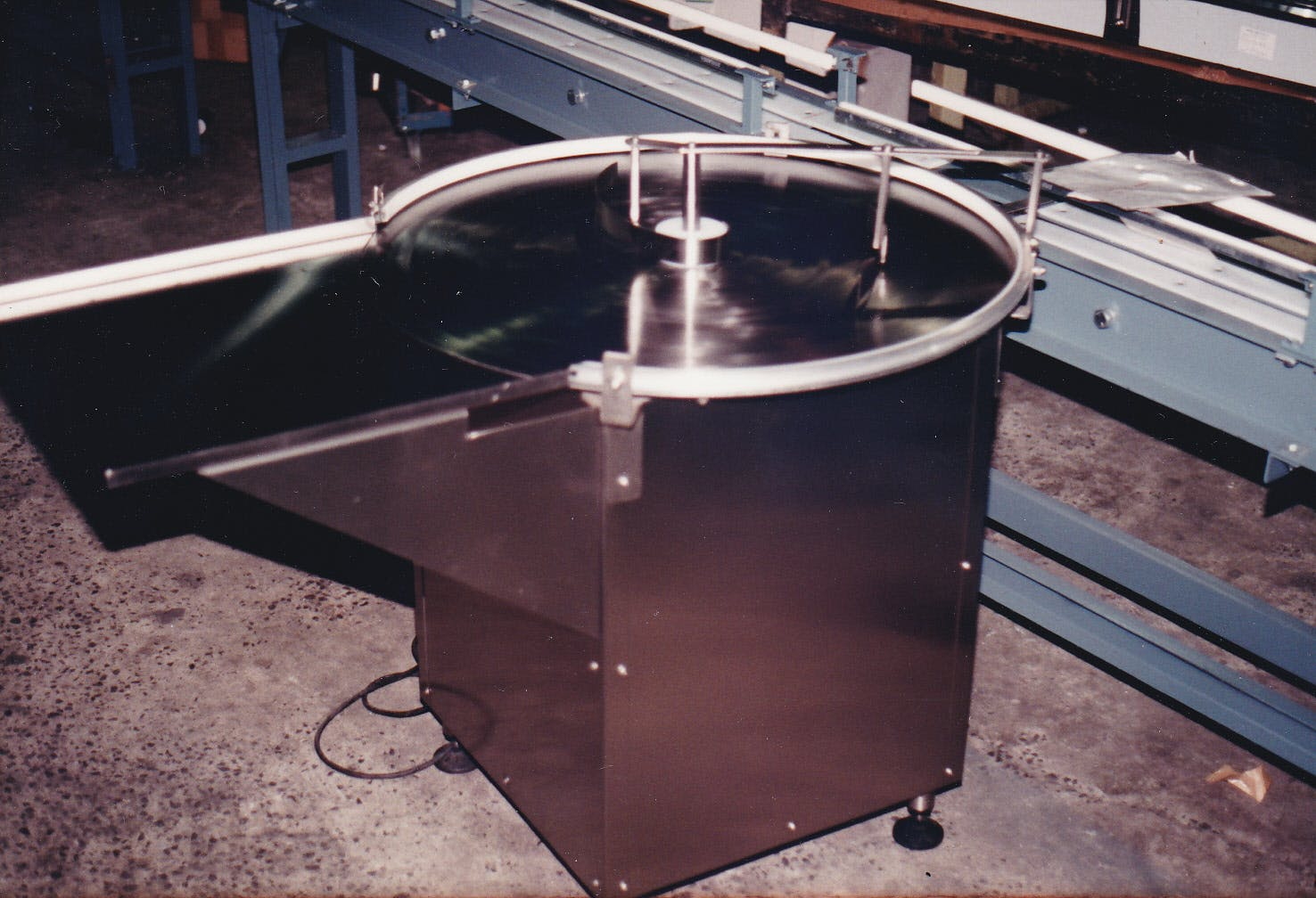 Rotary Accumulator - sold by Nedco Conveyor Technology