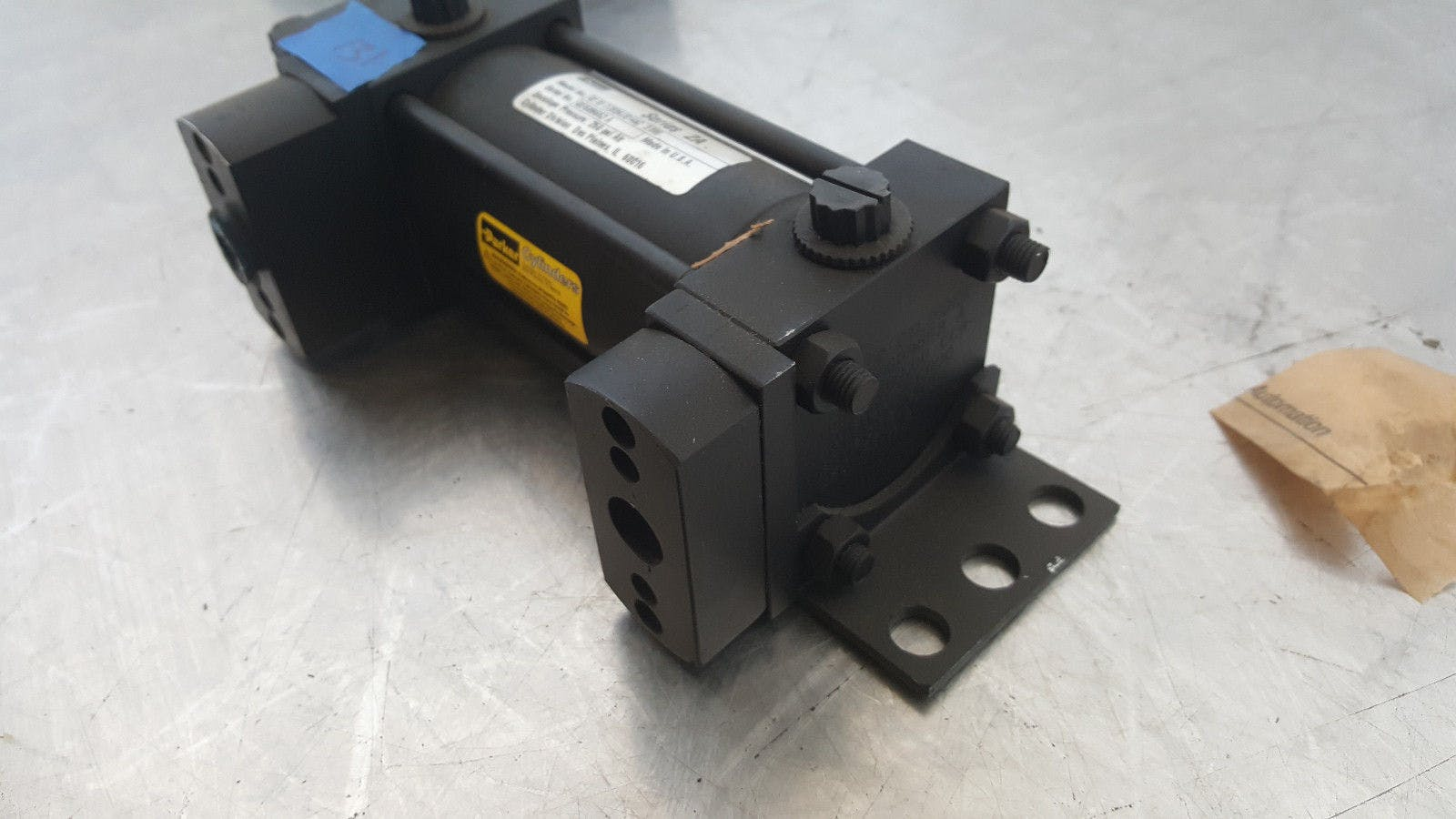 Parker Series 2A 02.00 CCB2AUS14AC 3.000 250 Psi Air Pneumatic Cylinder New - sold by Jak's Restaurant Supply