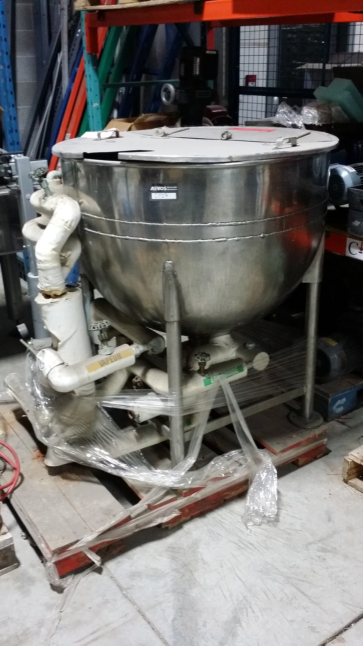 COULTER Jacketed Stainless Steel tank - 400 liters (105 gallons) Food tank sold by Aevos Equipment